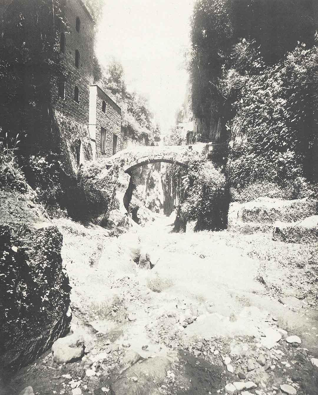 Anonimo, Fabbriche del mulino sul fondo del vallone, 1900
